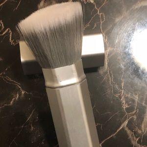Pure foundation brush